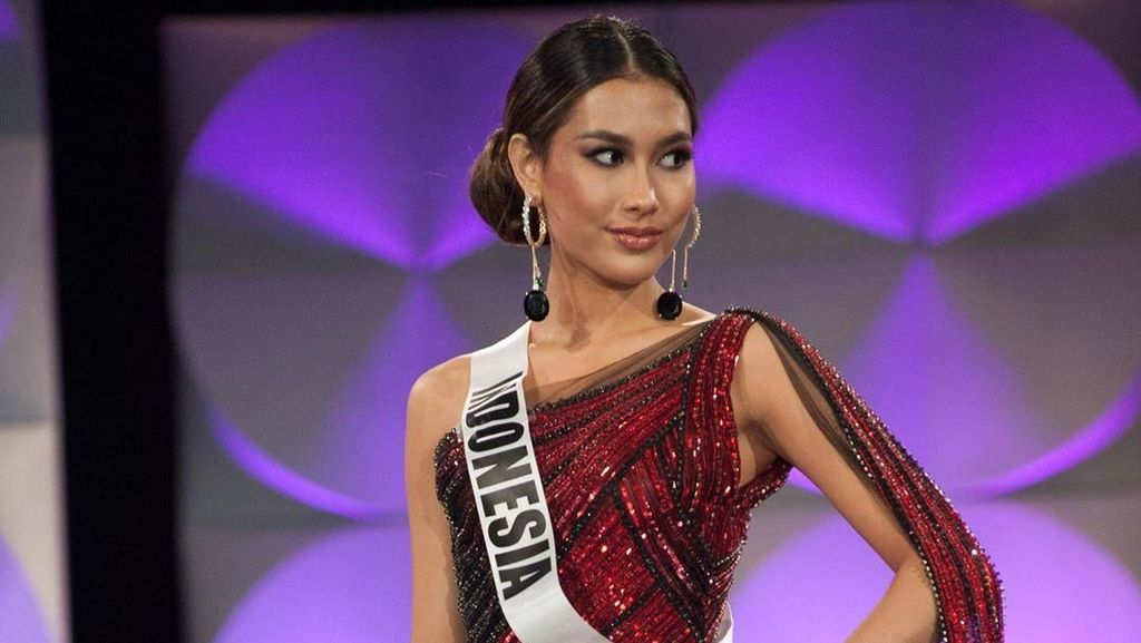 Tembus Top 10, Puteri Indonesia Frederika Cull Ukir Sejarah di Miss Universe