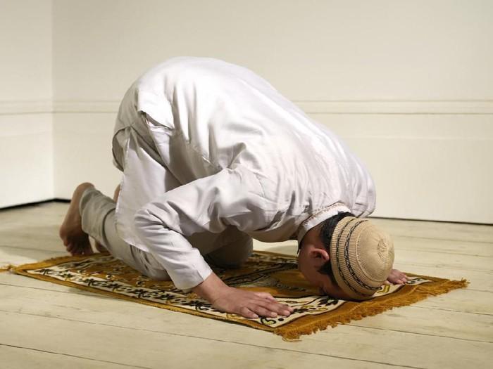 Doa Setelah Sholat Tahajud Lengkap dengan Artinya/Foto: istock