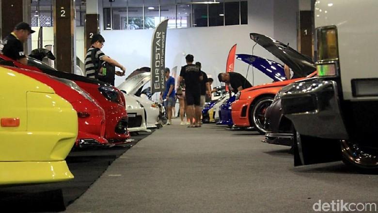 Aneka mobil modifikasi di International Automodified Malaysia Foto: Ridwan Arifin