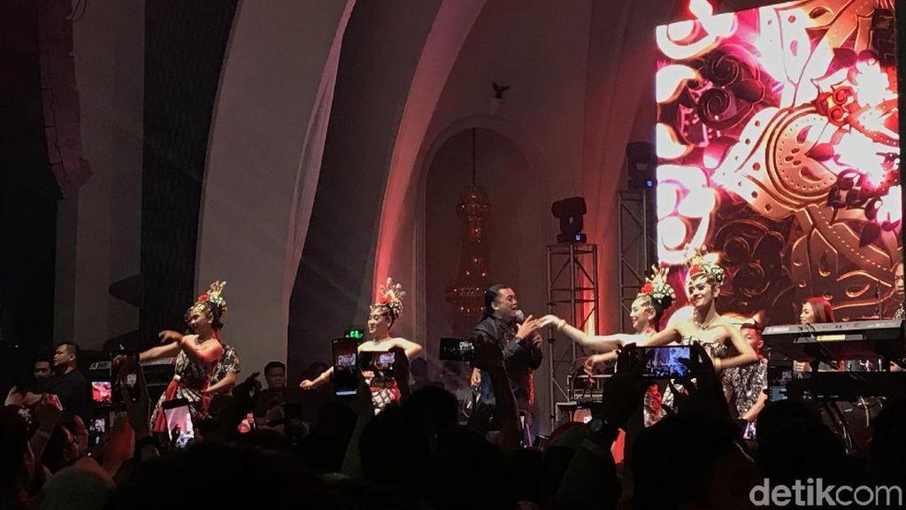 Merayakan Kesedihan dalam Konser Didi Kempot The Lord of Loro Ati