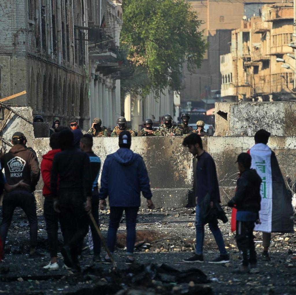 Kelompok Pria Bersenjata Lepas Tembakan Saat Demo Irak, 15 Orang Tewas