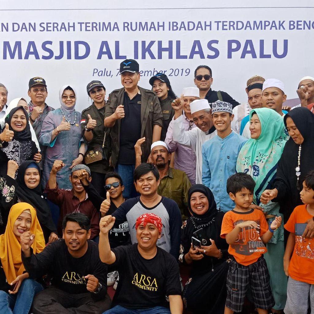 Chairul Tanjung Resmikan 3 Masjid dan 9 Sekolah Baru di Palu