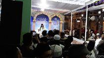 Ada Penolakan, Gus Muwafiq Tetap Ceramah di Solo