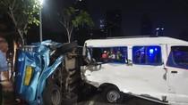 Sedan BMW Tabrak Angkot-Taksi di Sudirman, Kendaraan Ringsek