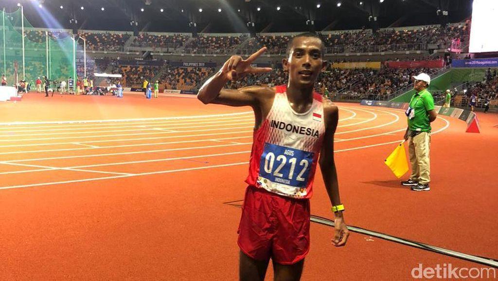 Agus Prayogo Persembahkan Perak Nomor 10 Ribu Meter