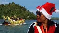Intip Prosesi Suku Ambai Jelang Natal