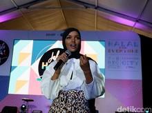 Cerita Hijabers Inspiratif AS Halima Aden yang Jatuh Cinta Pada Indonesia