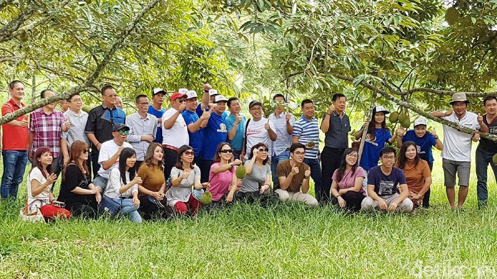 Yang Baru dari Batam, Wisata Kebun Durian