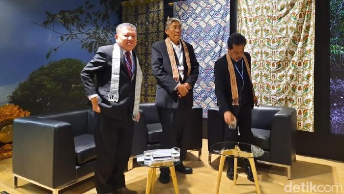 Bupati Sintang Jarot Winarno (tengah) di COP25 Madrid (Foto: Mei Amelia Rahmat/detikcom)