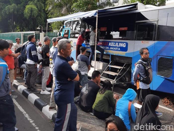 Samsat keliling di CFD Jakarta, Minggu (8/12). (Foto: Yogi Ernes/detikcom)