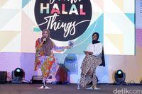 Hijabers AS Halima Aden Kunjungi Jakarta, Puji Industri Halal di Indonesia