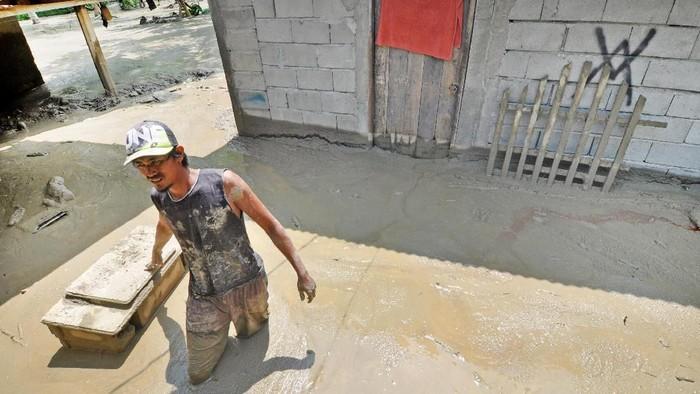 Banjir di Desa Poi, Sigi (Foto: ANTARA FOTO/Mohamad Hamzah)