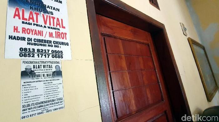 Jasa permak Mr P ala Mak Irot masih punya peminat (Foto: Syahdan Alamsyah/detikHealth)