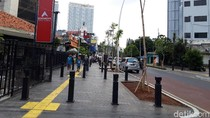 Selain Bangku, DKI Akan Lengkapi Trotoar dengan Bollard-Penunjuk Jalan
