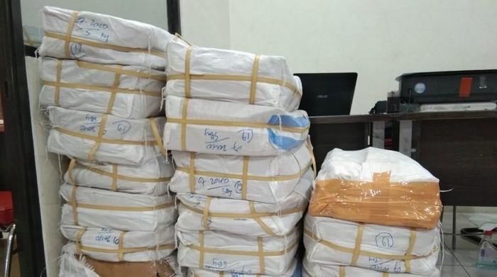 Sebanyak 2 juta pil doubel L yang digagalkan pengirimannya (Foto: dok. Istimewa)