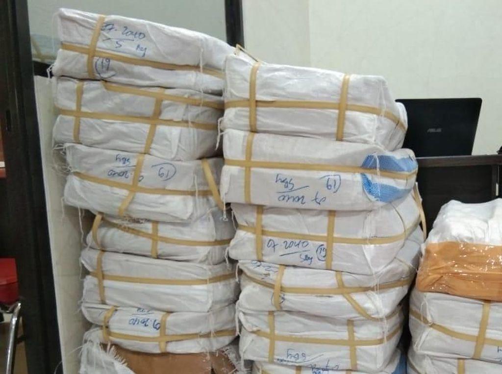 Polisi Gagalkan Pengiriman 2 Juta Pil Koplo Lewat Ekspedisi