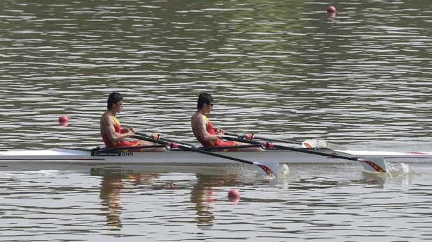 Ilustrasi rowing double sculls.