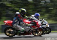Aksi Gading Marten & Ratusan Bikers Honda CBR di Sentul