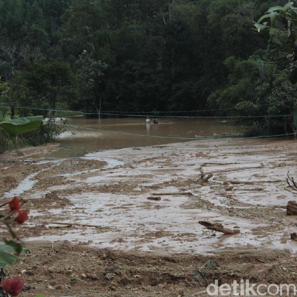 Danau Lumpur Dadakan Terjang 4 Hektare Sawah di Bandung Barat