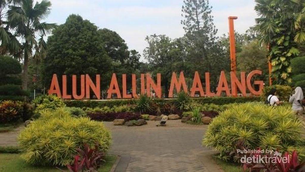Pagi yang Menyenangkan di Alun-alun Kota Malang