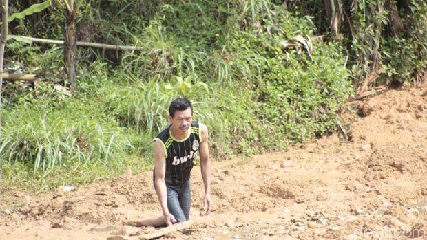 60 Jiwa Terisolasi Danau Lumpur di Cilangari Bandung Barat
