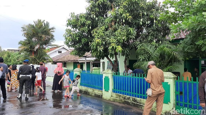 Teror bom di rumah purnawirawan TNI di Bali. (Raja/detikcom)