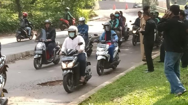 Pemkot Depok akan menutup lubang di jalanan GDC Depok