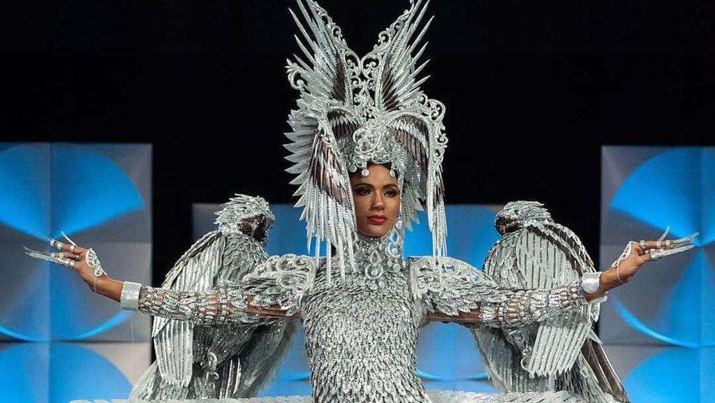 Foto: Kostum Nasional Filipina di Miss Universe 2019 yang Kontroversial