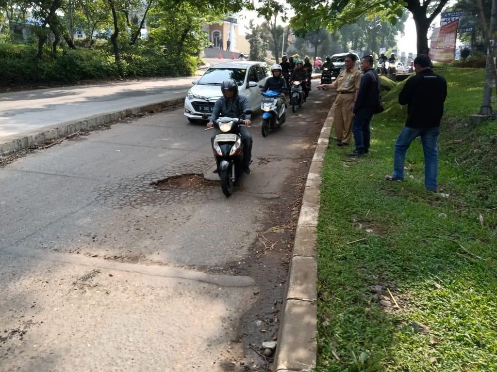 Ini Jalan Berlubang di GDC Depok yang Bikin Ustaz Beben Tewas Kecelakaan