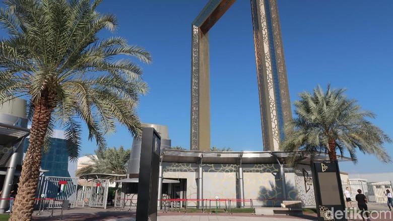 Dubai Frame, Bingkai Foto Berlapis Emas Terbesar di Dunia (Foto: Bonauli/detikcom)