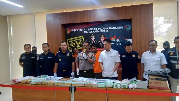 Foto: Konferensi penangkapan sabu (Ahmad Bil Wahid-detikcom)