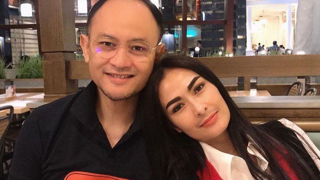 Momen Kulineran Suami Iis Dahlia yang Jadi Pilot Garuda Pembawa Harley