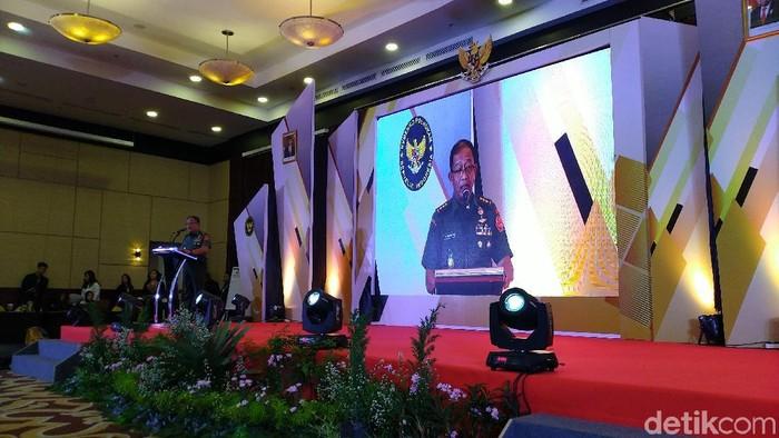 Foto: Sekretaris Kemenko Polhukam Letjen TNI Tri Soewandono dalam Pembukaan Rapat Kerja Nasional Satgas Sapu Bersih Pungutan Liar Tahun 2019. (Sachril-detikcom)