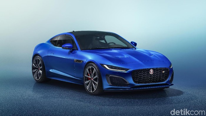Jaguar merilis sedan sport F-Type model baru pada 2 Desember 2019.