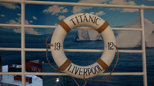 Masih perlu foto-foto, traveler bisa memenuhi memori dengan latar wahana yang bernuansa Titanic (Foto: Dok. Trans Studio Bali)