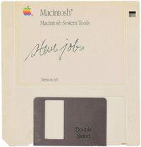 Tandatangan Steve Jobs Bernilai 84 iPhone 11!