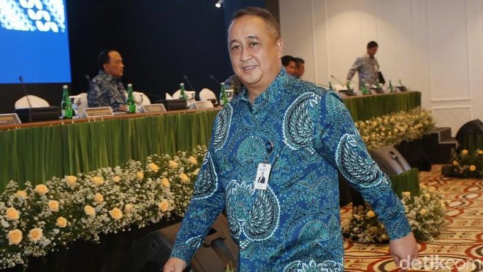 Royke Tumilaar diangkat sebagai Direktur Utama Bank Mandiri menggantikan Kartika Wirjoatmodjo, Senin (9/12/2019). Senyum cerah terlihat di wajahnya saat konferensi pers usai RUPSLB.
