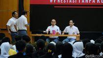Jokowi Pangling Lihat Nadiem di Pentas Antikorupsi: Kirain Anak SMA