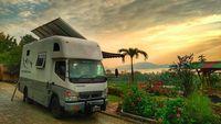 Modifikasi Truk Keliling Indonesia ala Keluarga Kusmajadi