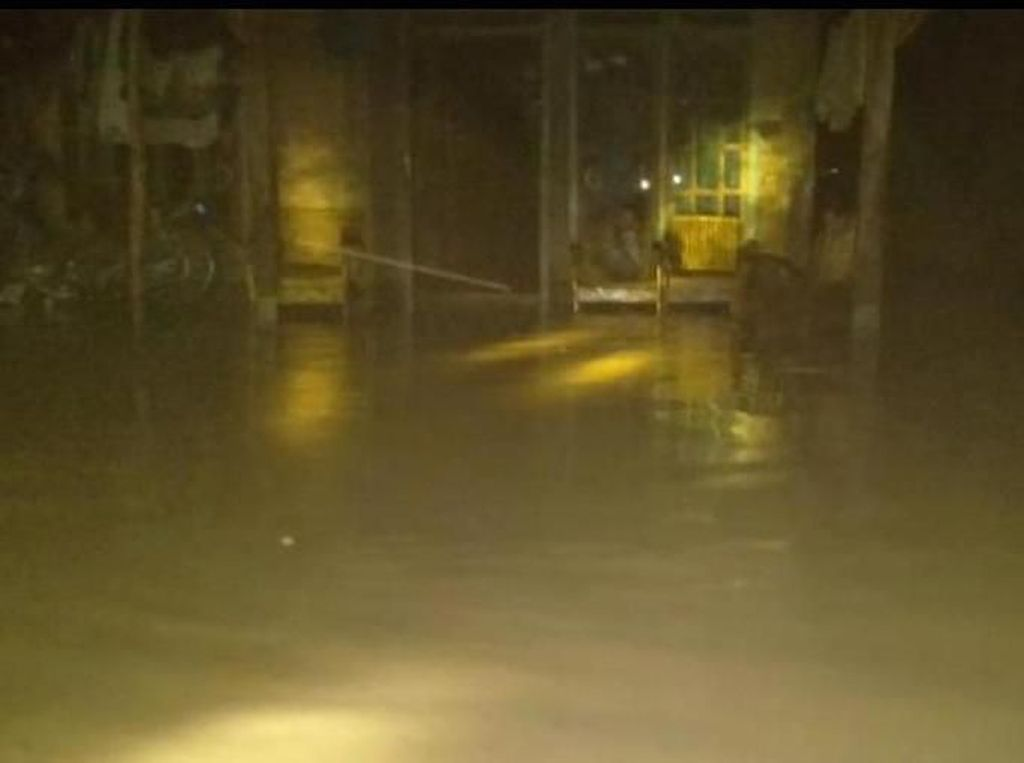 Banjir Bandang Landa Permukiman di Kudus, Saat Ini Air Sudah Surut