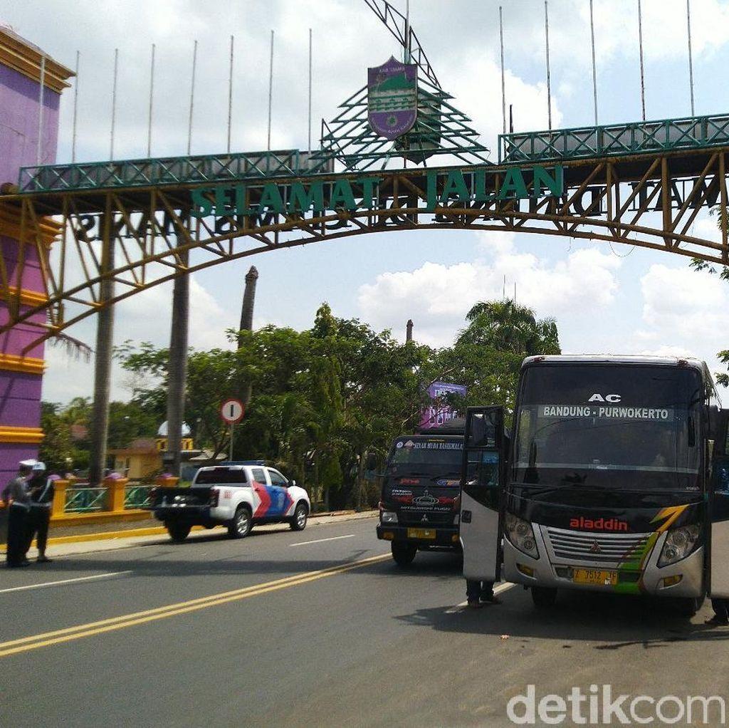 Jelang Nataru, Tim Gabungan Razia Bus Tak Laik di Batas Jabar-Jateng