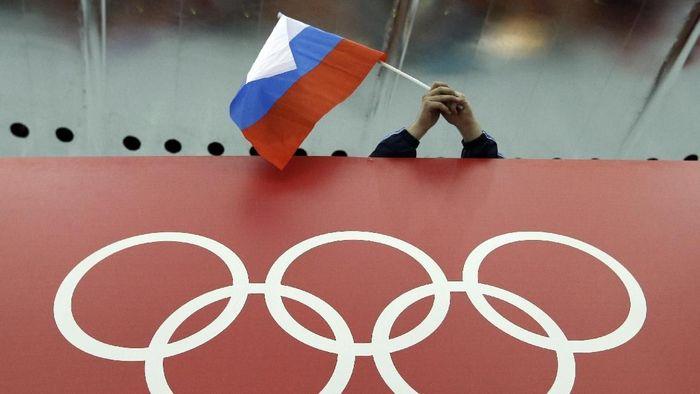 Rusia dilarang berlaga di Olimpiade 2020 dan Piala Dunia 2022. (Foto: David J. Phillip/AP Photo)