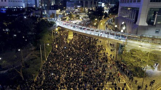 Demonstran antipemerintah di Hong Kong kembali turun ke jalanan
