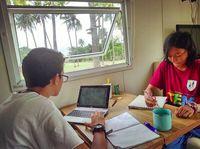 Sekeluarga Keliling Indonesia Naik Truk, Bagaimana Sekolah Anak?