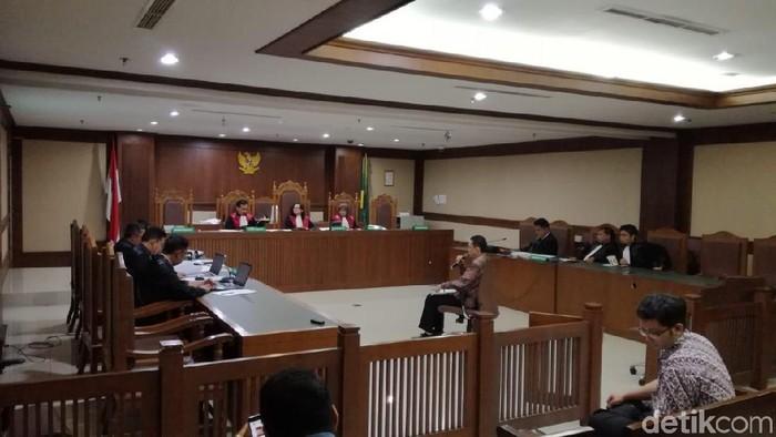 Sidang pemeriksaan terdakwa di kasus suap PT DIrkeu Angkasa Pura II. (Faiq Hidayat/detikcom)