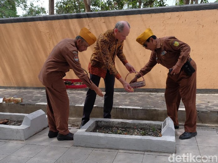 Pemerintah Belanda kembali minta maaf soal tragedi Rawagede Karawang. (Luthfiana Awaluddin/detikcom)