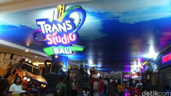 Trans Studio Bali ini adalah Trans Studio theme park terbaik yang pernah ada saat ini, tidak hanya di Indonesia, tapi juga kita bisa mengklaim sebagai yang terbaik di Asia Tenggara, karena rides-ridesnya paling modern, ujar Dony Oskaria, CEO Hospitality and Entertainment Group CT Corp (Foto: Wahyu/detikcom)