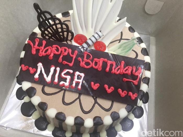 Toko Kue Di Depok Tolak Tulis Happy Birthday Bolehnya Happy Bornday