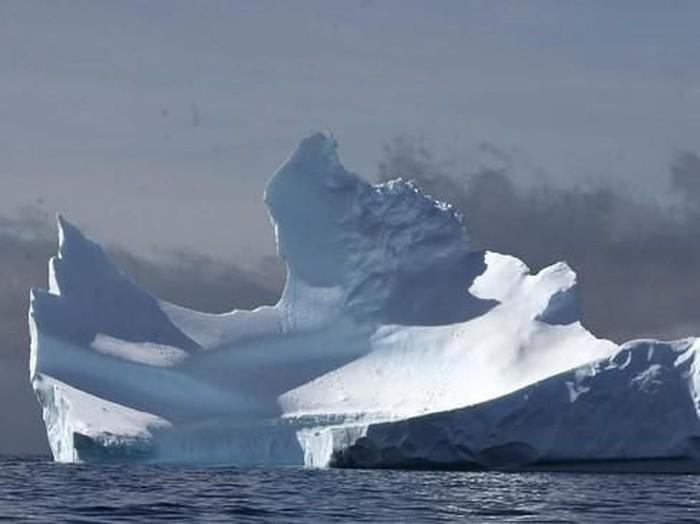 Antartika ramai turis