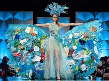 Foto 10 Kostum Nasional Heboh Miss Universe, Ada yang Bawa Sampah
